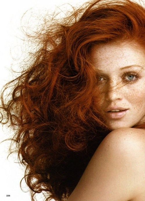 curly_red_hair_tips_for_redheads_naturaly_curly_red_hair_cintia_decker